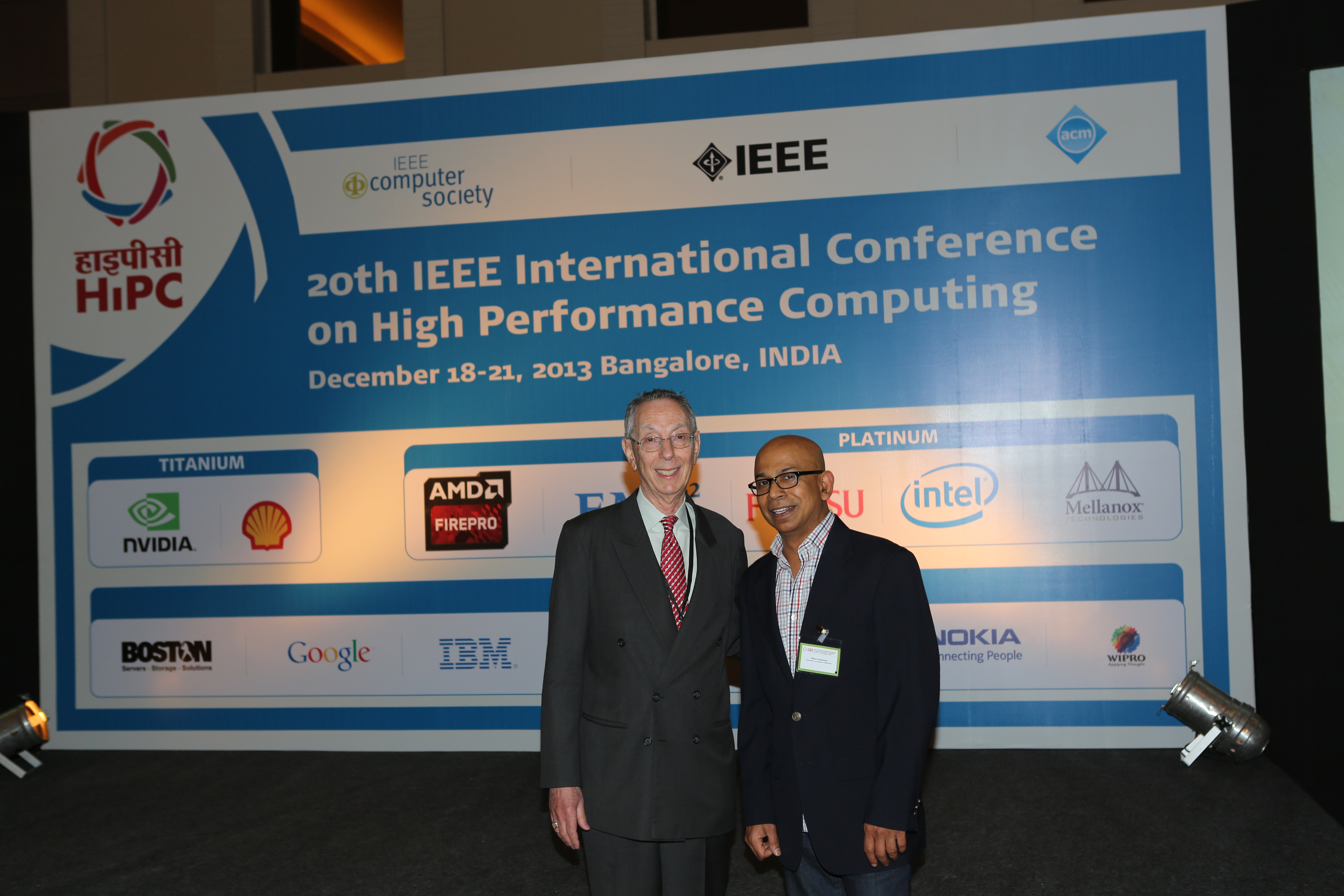 ATIP President Dr. Kahaner with Viktor Prasanna at the IEEE International Conference on High Performance Computing (HiPC 2013) in Bangalore.
